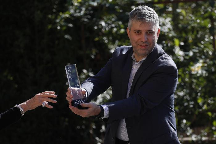 Director Evgeny Afineevsky is awarded with the Kineo Movie for Humanity award at the Vatican.