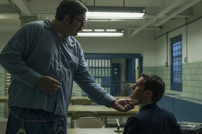 """Cameron Britton, left, and Jonathan Groff, right, in a scene from """"Mindhunter."""""""