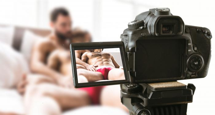 Adult Entertainment Watchdog Group Advises Industry Shutdown After Performer Tests HIV+